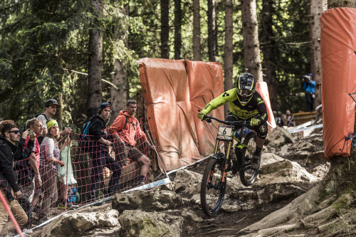 Greg Williamson performs at the UCI DH World Tour in Leogang on June 12, 2016